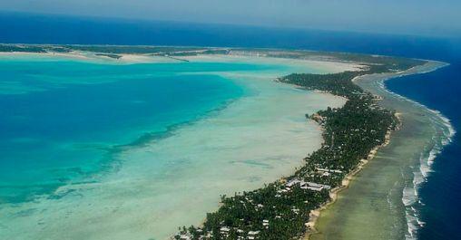 Øystaten Kiribati er trolig ubeboelig om 30 - 60 år fordi havet stiger. Det bor over 100.000 mennesker der.